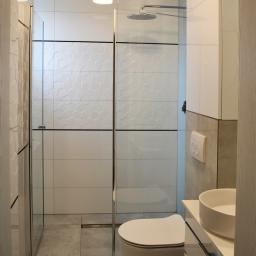 Łazienka w domu jednorodzinnym, usługa kompleksowa