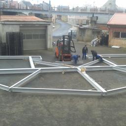 nietypowe konstrukcje - próbny montaż stropu miejsce przeznaczenia hotel Serby