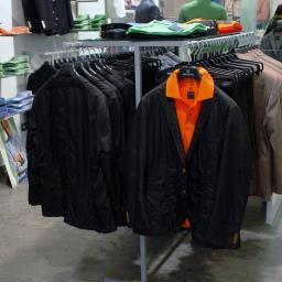 wykonujemy niezbędne  elementy wyposażenia sklepów , stojaki , wieszaki , półki itd.