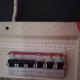 Instalatorstwo Elektryczne - Monta偶 o艣wietlenia Elbl膮g
