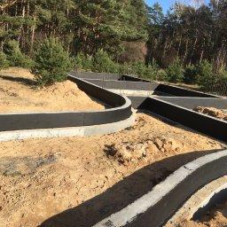 Ceradz dolny ściany fundamentowe lane