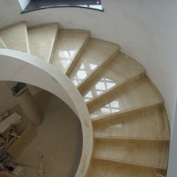 schody kamień Breccia