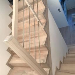 schody na beton z jesionu