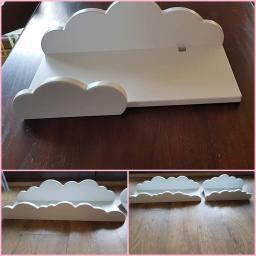 Kolejmy projekt półki  chmurki. Wymiary na życzenie  klienta w jednej wyciecie na kabel od dekodera. Bardzo piekne chmurki które  u dzieci w pokoju wygladaja pięknie  i można  na nich dużo  położyć.