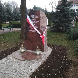 Pomnik okolicznościowy w Małkini Górnej