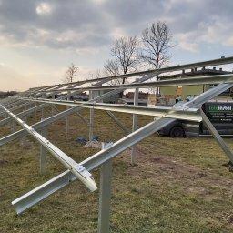 01.03.2021 instalacja fotowoltaiczna w trakcie budowy szkoła Mysłaków.