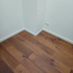 Podłogi i listwy