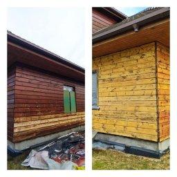 Wypiaskowana drewniana elewacja domu