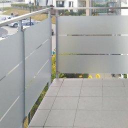 Wykonujemy balustrady szkło metal na zewnątrz i do wewnątrz również cało szklane antresole.