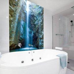 Wykonujemy kabiny prysznicowe podwymiar ze szkła 8mm bezbarwne matowe ,grafitowe,brązowe z powłoką anty kamienna.jak również szkło z grafiką do łazienek nad wannę pod prysznic i nie tylko szkło z grafiką można zastosować nawet na suficie czy zamontować na