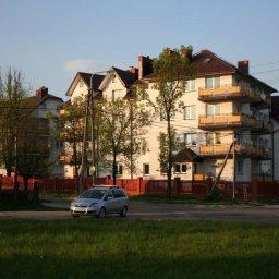Budynek na rogu Armii Krajowej i Pułaskiego w Skarżysku - Kamienna