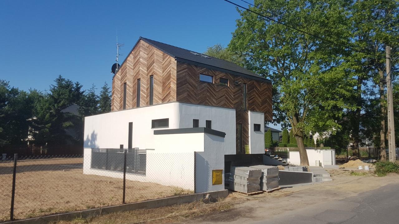 Zlecę budowę garażu, 70m2, malowanie elewacji, 220m2 i