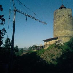 aktualnie wykonanie:Miejski park zieleni-Zamek baszta-Czchów- p.n.e.