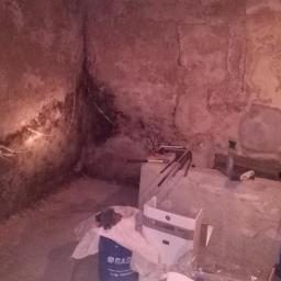 ściana piwniczna-brak izolacji poziomej