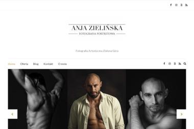 Anna Zielińska Fotografia - Sesja Zdjęciowa Noworodka Szczaniec